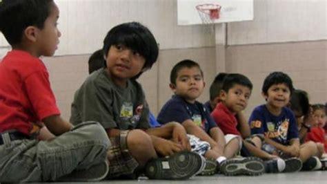 illegal kids pics senators press obama administration on vetting sponsors of