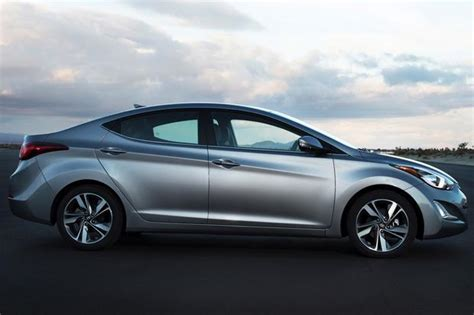 2014 honda civic vs 2014 hyundai elantra which is better