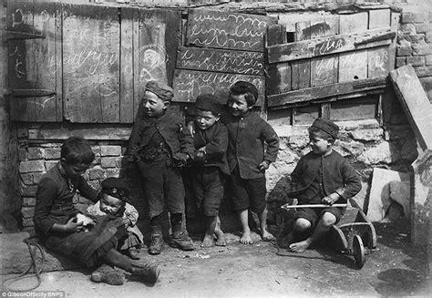 lavoro minorile nell inghilterra vittoriana povert 224 degrado e sfruttamento nella societ 224 vittoriana