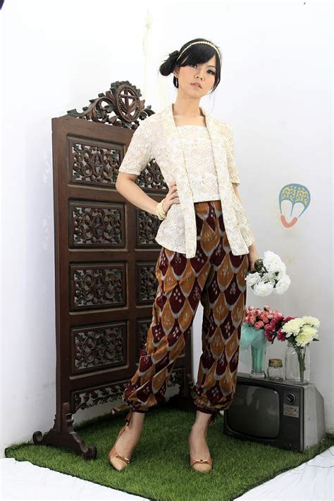 Kebaya Bali Set Kebaya Modern 26 21 Best Images About Dress Kebaya And Batik On