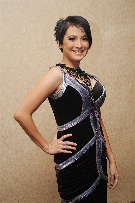 Majalah Indonesia Juni 2006 Doriane 9 artis pernah til di majalah dewasa artis pendatang baru