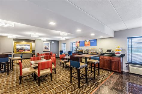 comfort inn airport grand rapids book comfort inn airport grand rapids hotel deals