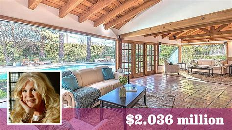 who owned connie stevens la mansion actress connie stevens buys a 1940s rancher in studio city
