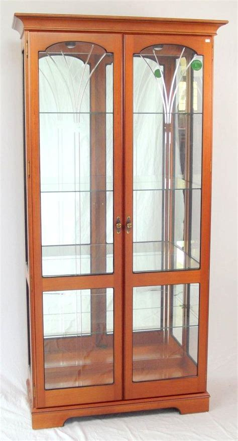 Decorative Display Cabinets by Collectors Display Cabinet With Engraved Decorative Glass Do