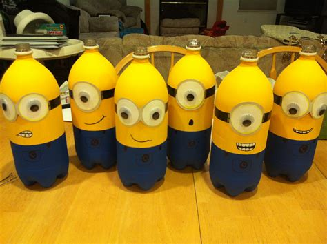 How To Make A Minion Out Of Construction Paper - minion soda bottle centerpieces what you need 2 litter