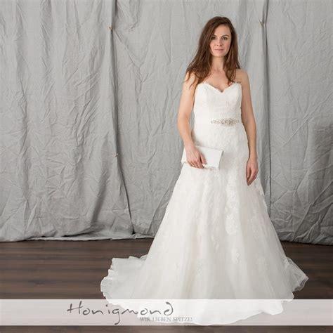 Brautmode Spitze by Festmode Und Abendkleider Preiswert Und Direkt Zum Mitnehmen
