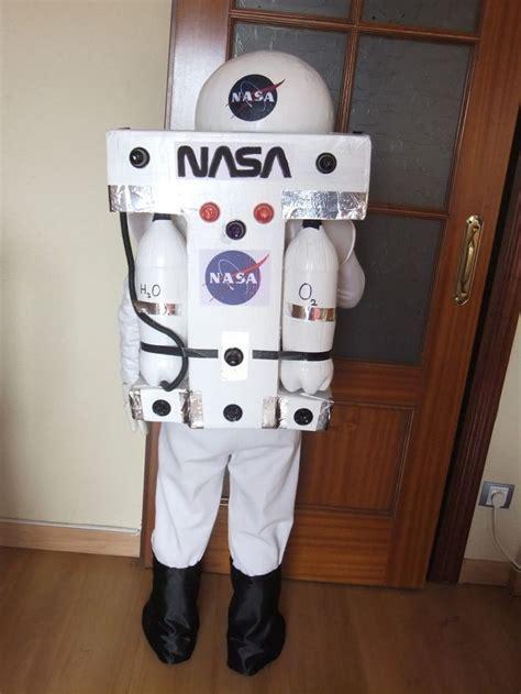 disfras de el depredador reciclado m 225 s de 25 ideas fant 225 sticas sobre disfraz de astronauta en