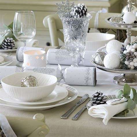 christmas table settings ideas simple silver and white christmas table setting budget