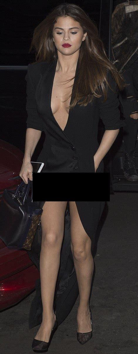 Wardrobe Malfunktion by Pix Selena Gomez Wardrobe Showbiz Bites