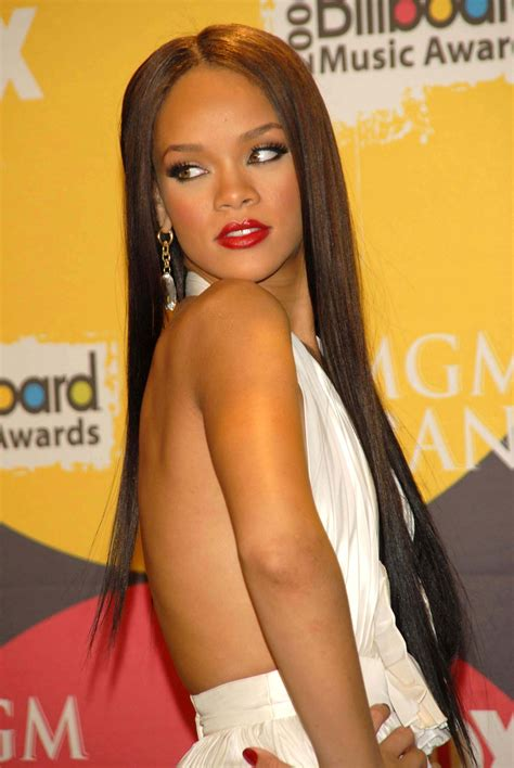 rihanna wild thoughts style curly haircut bob lace wigs