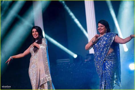 priyanka chopra dance with nick jonas nick jonas priyanka chopra s families competed in a song