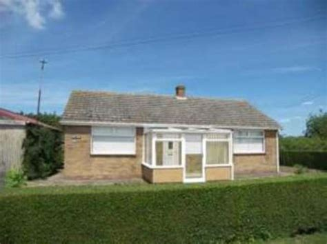 2 bed bungalow 2 bedroom bungalow for sale on clenchwarton