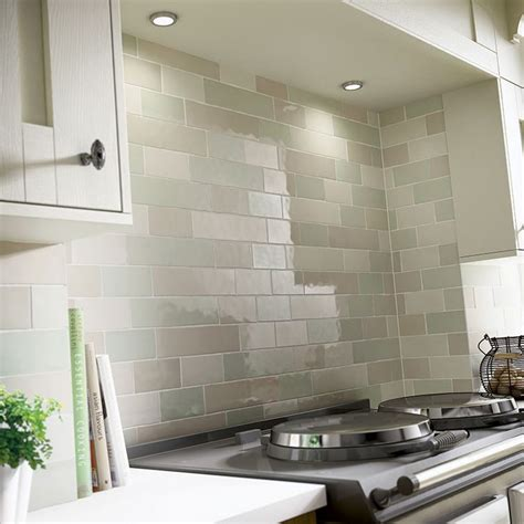 tile ideas for kitchen walls best 25 kitchen tiles ideas on kitchen