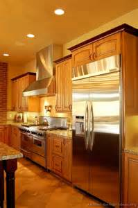 kitchen cabinet trim ideas alfa img showing gt two toned kitchen cabinets with crown