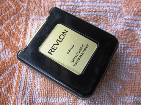 Revlon Two Way Cake revlon moisturizing two way powder review