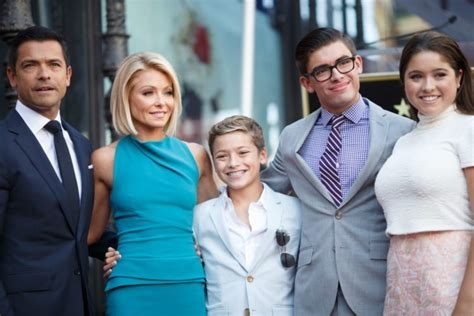 what device does kelly ripa use on her hair what device does kelly ripa use on her hair kelly ripa