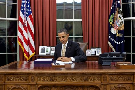 barack obama oval office president obama signs payroll tax extension the uptake