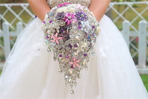 Handmade Wedding Bouquet - wedding accessories ideas