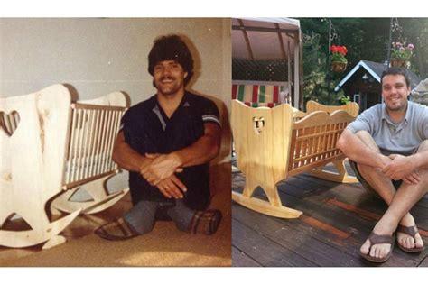 costruire una culla in legno padre senza soldi costruisce culla a suo figlio lui 30