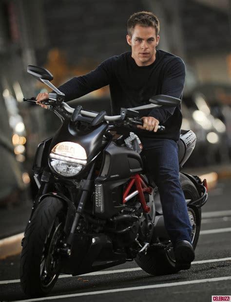 imagenes de wolverine en moto cuando el arte ataque hombres bellos y sus motos