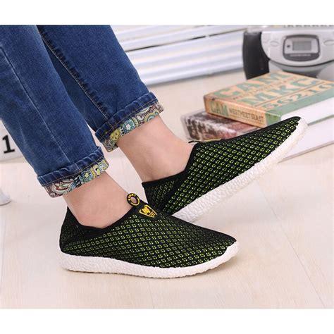 Sepatu Mesh sepatu slip on mesh pria size 39 black green
