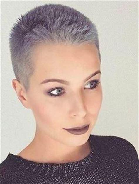 crew haircuts for women 15 super geniale zilveren korte kapsels die je moet zien