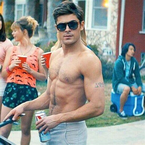 zac efron tattoo does zac efron a if so what where are they
