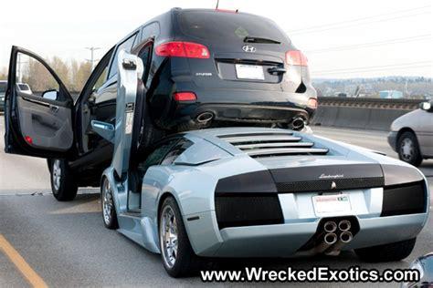Photos de voitures de luxe à la casse