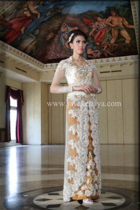 Kutubaru Bordir White 512 best images about indonesia kebaya on kebaya fashion weeks and showcase design