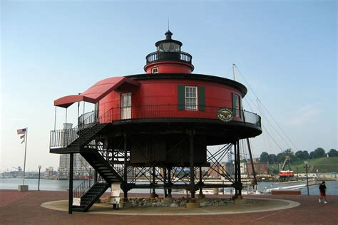baltimore  harbor  foot knoll lighthouse flickr