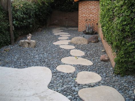 pebbles backyard round stepping stones mexican pebbles google search
