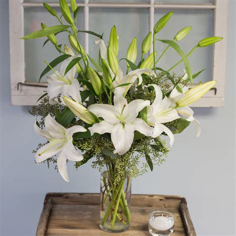 How To Arrange Lilies In A Vase by White Vase In Cambridge Ma Coady Florist