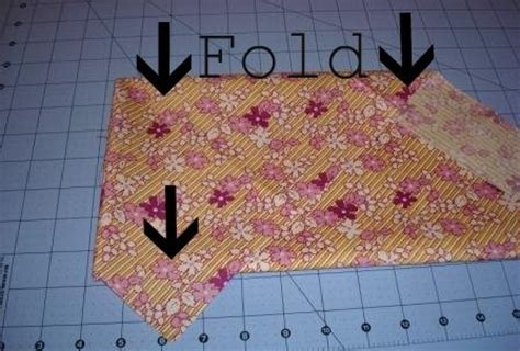 quilting tutorial worry free bias binding how to fold fabric for bias strips that girl that