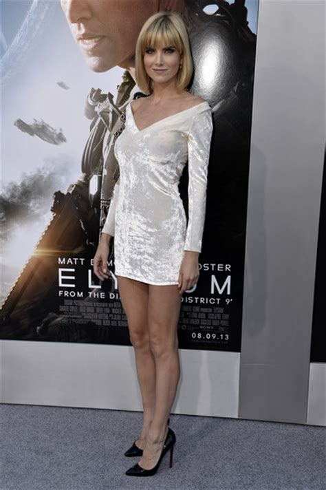 actress surname skye elysium premiere oh no they didn t