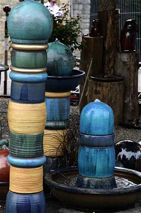 keramikbrunnen garten keramik brunnen individuell aus der keramikwerkstatt