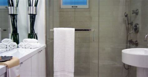 where to put towel bar in small bathroom no room for a towel bar mount in on the shower door small bathroom ideas