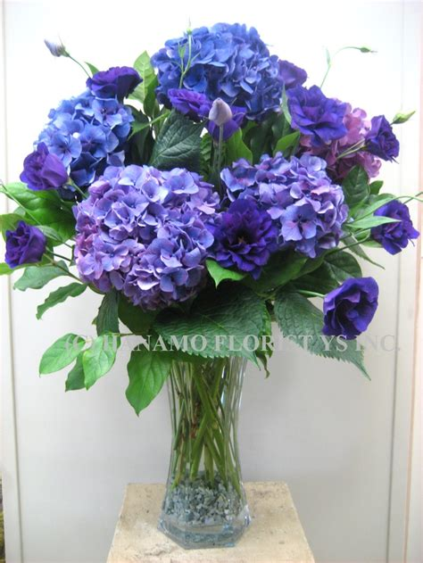 vase arrangement hanamo florist store vancouver