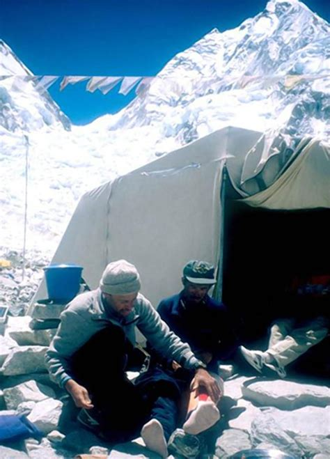 everest web dying to climb mount everest read this ny daily news