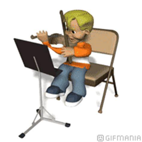 bensin al abror nino estudiando violin atril en atriles musicales
