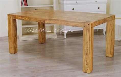 tavoli allungabili in legno massello prezzi tavoli e tavolini in ulivo massello tavoli