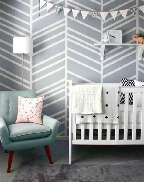 babyzimmer wandgestaltung tapete tapete in grau stilvolle vorschl 228 ge f 252 r wandgestaltung