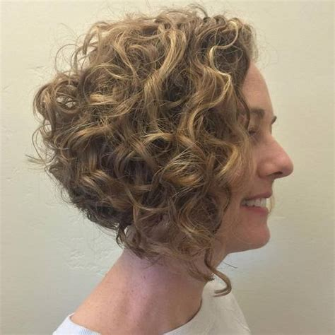 diagonal bob haircut curly hair 20 cute hairstyles for naturally curly hair in 2018