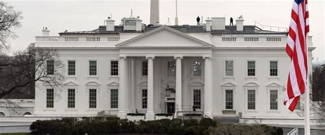 white house secrets intruder scaled fence to enter white house grounds friday night abc news
