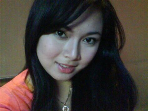 wanita tercantik di indonesia dunia penghibur kali ya