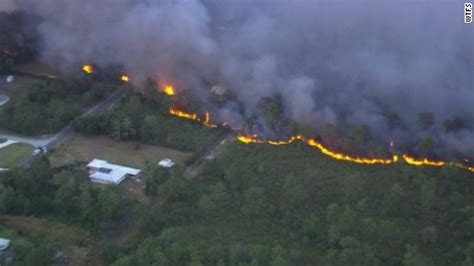 florida wildfires florida wildfires thousands evacuated as 100 fires burn