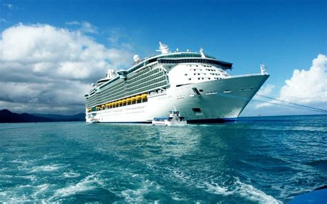 Freedom of the Seas Information   Royal Caribbean