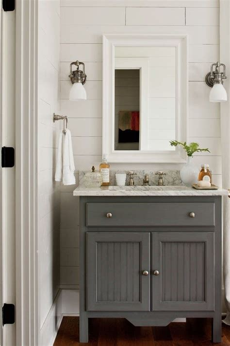 vintage bathrooms ideas 25 best ideas about small vintage bathroom on pinterest