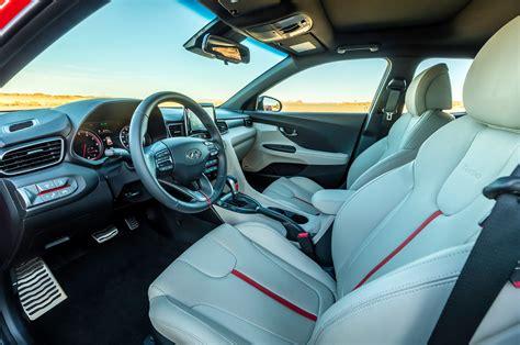hyundai veloster turbo interior 2019 hyundai veloster turbo front interior motor trend