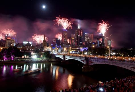 new year melbourne activities hello 2018 fireworks illuminate skies across the globe