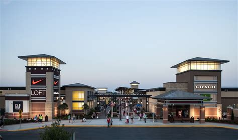 layout of chesterfield mall do business at st louis premium outlets 174 a simon property
